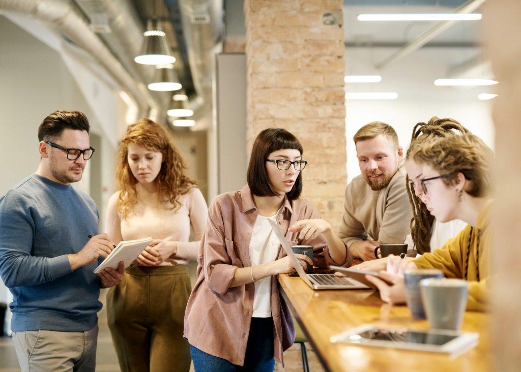 La comunicación transparente facilita la gestión de las relaciones laborales
