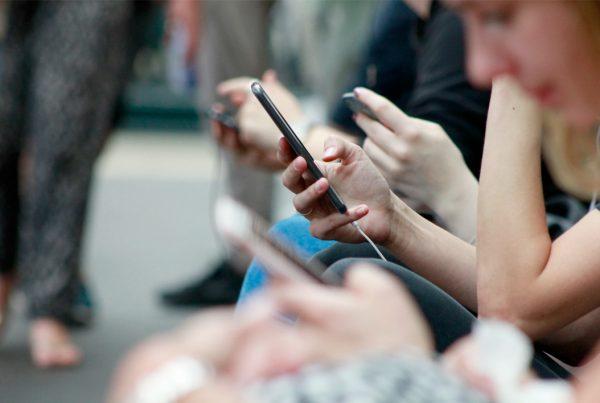 Apps de Comunicación frente a Email Marketing para Impulsar tu Comunicación Interna